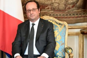 French President Hollande urges voters to vote for Emmanuel Macron