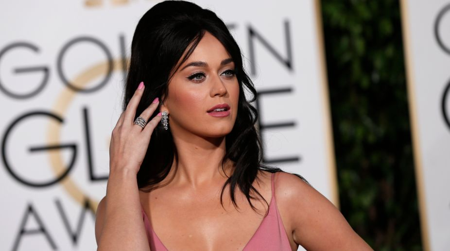 Katy Perry to perform at 2017 Grammy Awards