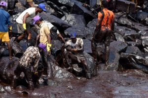 Tamil Nadu chief minister visits oil spill site