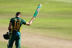 Du Plessis shines as South Africa beat Sri Lanka