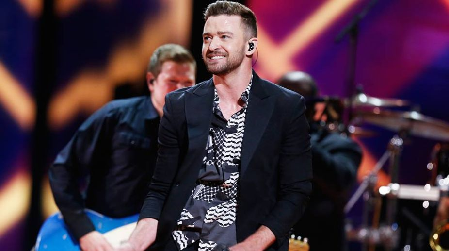 Justin Timberlake snaps new pic with Super Bowl 'Selfie Kid'