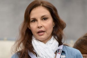 Ashley Judd stresses on women empowerment in India
