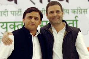 Akhilesh, Rahul release Common Minimum Programme