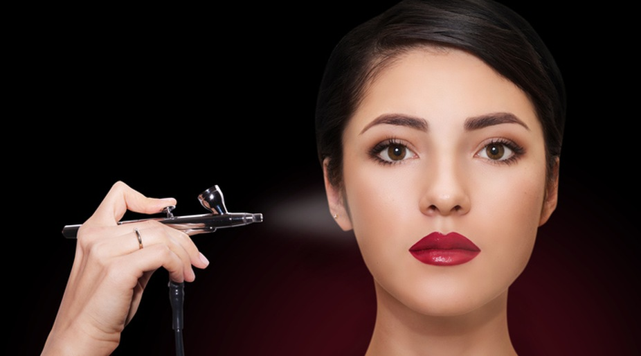 Airbrush makeup: Up the hot quotient this Valentine's Day