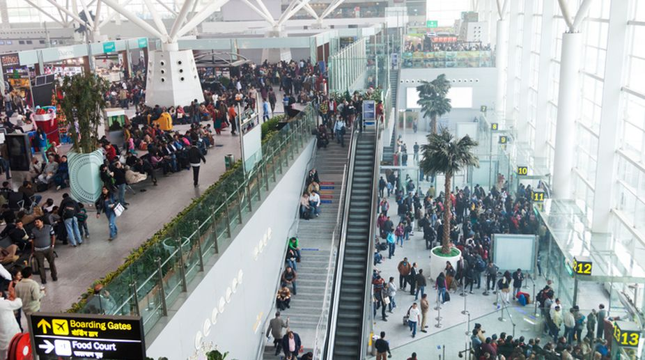 gold smuggling, Delhi Airport, customs authorities