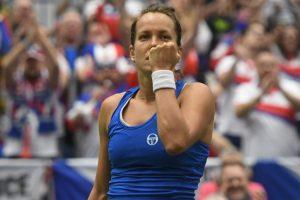 Fed Cup: Czech Republic makes last-four