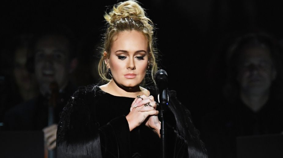 Adele confirms her marriage to Simon Konecki