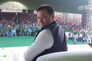 Tejashwi flays Nitish for JD-U move to contest Gujarat polls