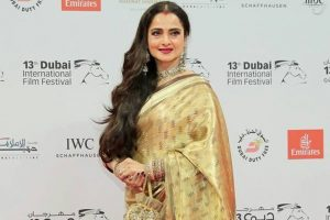 Rekha to give Yash Chopra Memorial Award to SRK