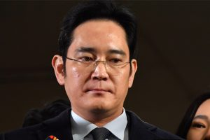 Samsung stocks nosedive after arrest of heir