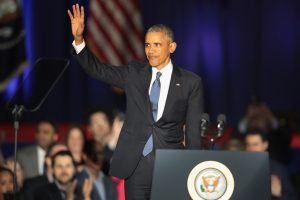 Obama draws crowd, cheers in NYC