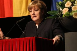 Merkel warns countries not to go it alone