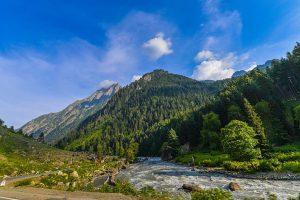 Jammu-Srinagar highway closed for 2nd consecutive day