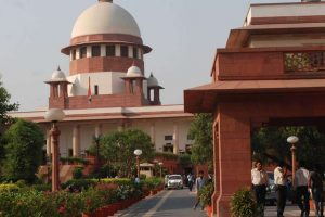 SC notice to Maharashtra govt on bar girls' plea