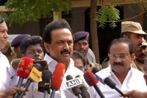 Stalin meets protesting farmers, slams Centre for neglecting them