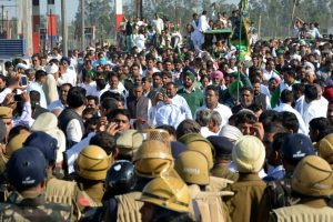 INLD fails to win 'water war', leaders arrested on Punjab border