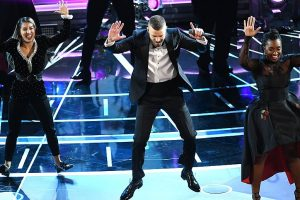 Timberlake opens Oscars with performance on 'Trolls' song