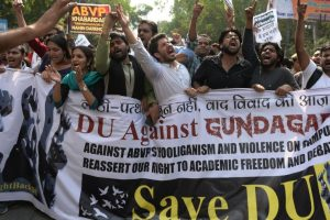 Opposition leaders visit DU, support protesting students; slam Centre