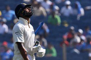 Shoulder injury keeps Murali Vijay out of Bengaluru Test