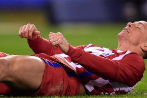 CT scan clears Fernando Torres after head injury