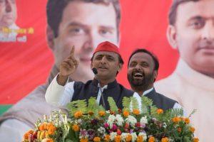 Akhilesh Yadav, Rahul Gandhi dare PM Modi in Varanasi