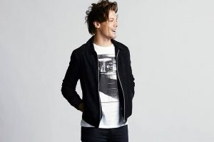 Louis Tomlinson arrested after altercation with paparazzi