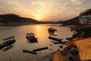 SC asks MP govt to approach HC on Narmada compensation