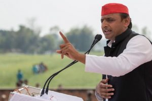 Bullet train should run between Delhi, Kolkata: Akhilesh