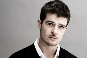 Birthday special: Treat to eyes and ears-Robin Thicke