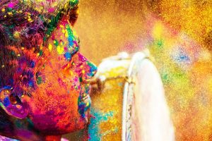 10 Super hit Bollywood Numbers For Holi Dhamaal