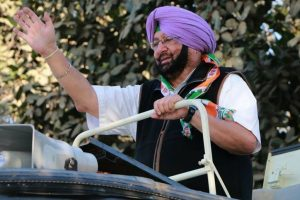 AAP leaders detained on way to Amarinder's house