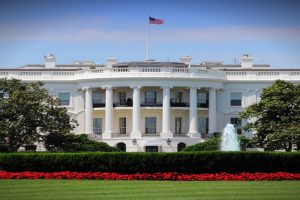 Man arrested for intruding White House grounds