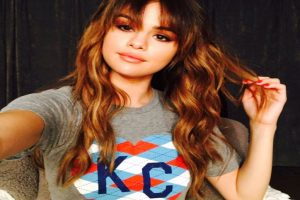 Gomez, Mendes bag big prizes at Nickelodeon Kids' Choice Awards