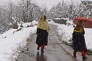 Jammu-Srinagar highway closed for 4th day