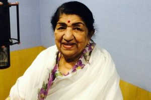 Lata Mangeshkar conferred 'Swara Mauli' award