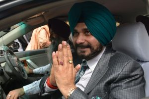 Navjot Sidhu off hook for culpable homicide, SC fines him Rs 1,000 for 'causing injury'
