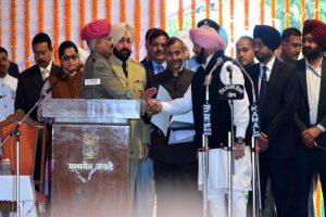 Swearing-in-ceremony: AAP MLAs denied chairs, blame Amarinder's feudal mindset