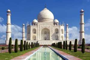 If 'namaz' offered at Taj Mahal, why not 'Shiva Chalisa': Hindu outfits