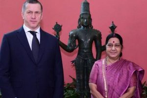 India, Russia discuss economic ties