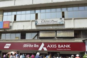 Axis Bank's Q3 net profit up 25% at Rs 726 cr