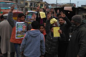 Kashmiri separatists exploiting young boys for election boycott