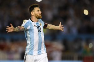 Lionel Messi penalty sees Argentina edge Chile in World Cup qualifier