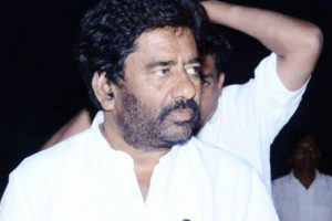 Barred by top airlines, Shiv Sena MP Gaikwad catches train