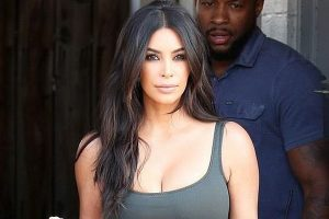 Kim Kardashian flaunts new hair cut