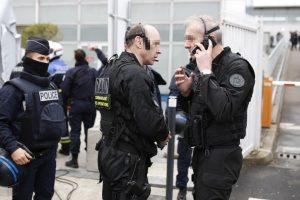 France attack: Gunman injures 3 outside metro station