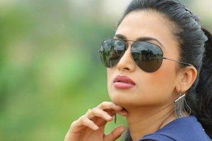 Shwetha Srivastav flaunts 'curvy bumpy ride'