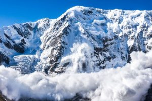 J-K: Seven persons missing in avalanche, 6-yr-old rescued