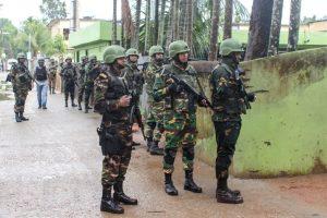 Bangladesh raid enters fourth day, 8 dead