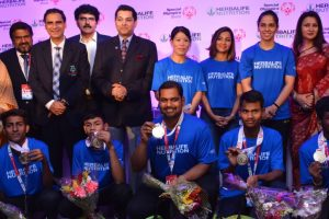 Mary Kom, Saina Nehwal, Heena Sidhu seek inspiration from special Olympians