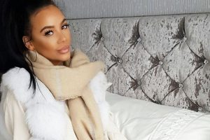 Chelsee Healey shows off her baby scan